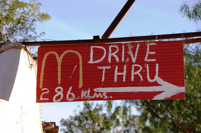Drive Thru Outback Australien www.nanawhatelse.at