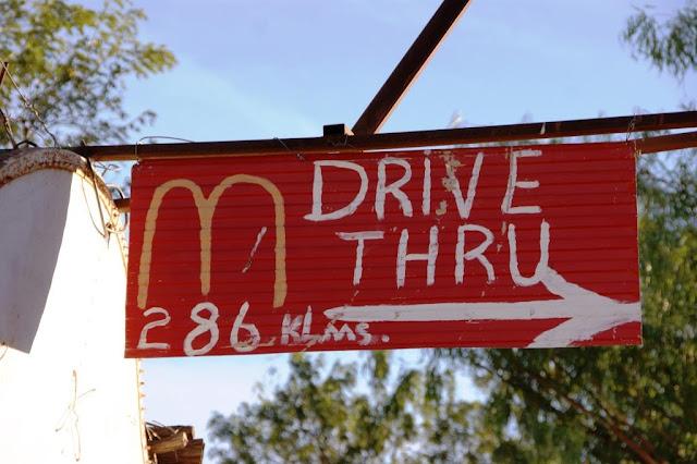 Drive Thru Outback Australien www.nanawhatelse.at