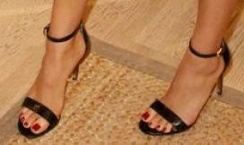 caec8309b Shoe Game of the Stars  Tory Burch Keri Sandal - Shay Mitchell