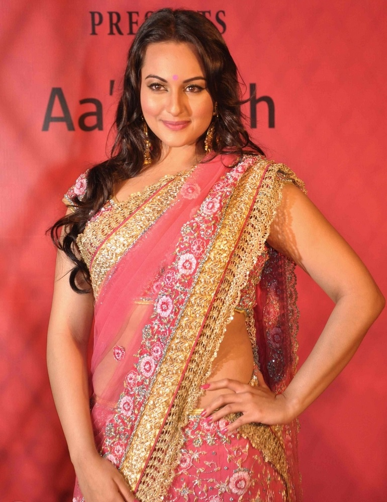 Actress Sonakshi Sinha Long Hair Hip Show In Pink Designer Sari