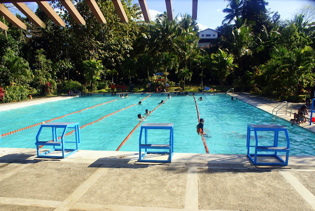 Swimming at la mesa eco park quezon city - La mesa eco park swimming pool photos ...