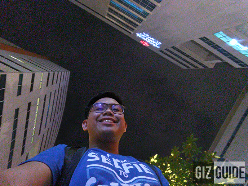 Grainy selfie at night on HDR mode