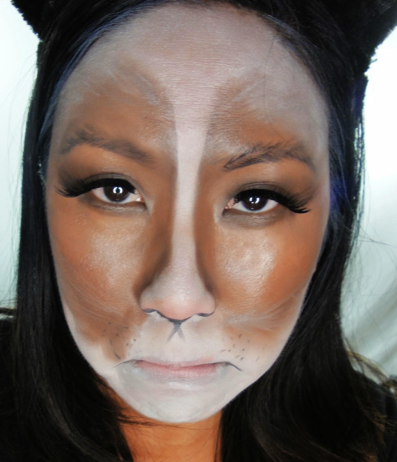 Halloween cat eye makeup