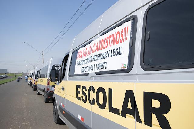 Veículos fazem transporte escolar ilegal e circulam por Santa Luzia sem preocupações
