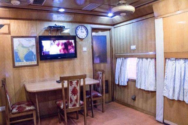 Indian Railways saloon coach - living & Dining Room