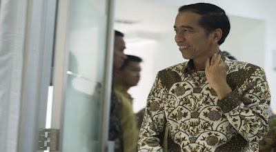 """Jokowi Curhat: """"Masa Presiden Gak Boleh Salah?"""", Netizen: Salah Kok Terus-Terusan"""