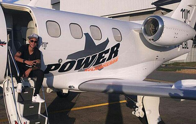 El fisco brasileño embarga el avión de Neymar