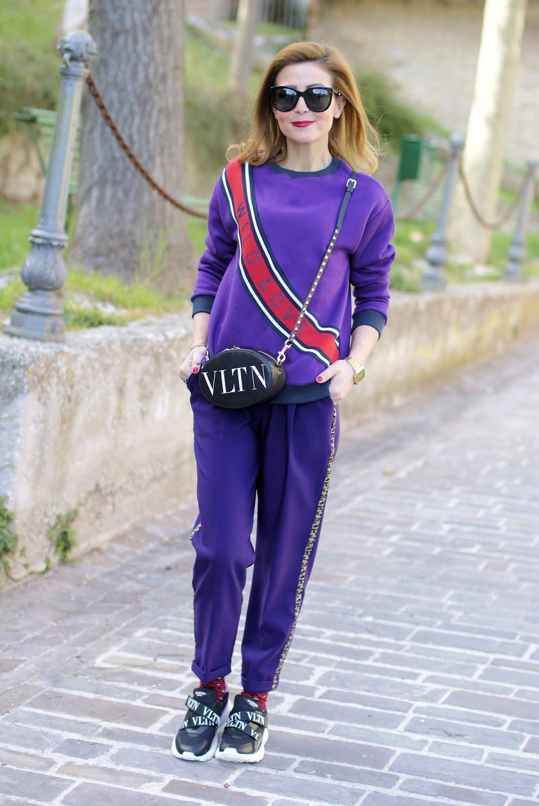 VLTN: the new Valentino logo in a sporty chic outfit on Fashion and Cookies fashion blog, fashion blogger style