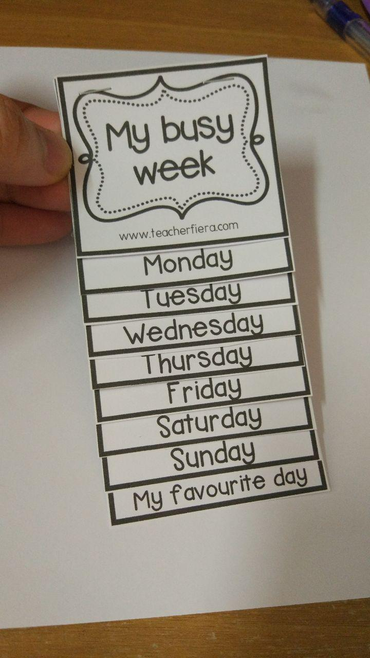 Teacher fiera 39 s assemblage my busy week flip book for Html flip book template