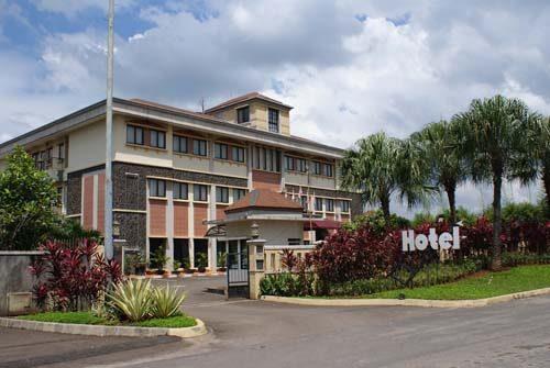 GREEN WATTANA BOUTIQUE HOTEL RESTO Ialah Satu Satunya Butik Hotel Di Sentul City Yang Memiliki Pemandangan Serta Lingkungan Menakjubkan