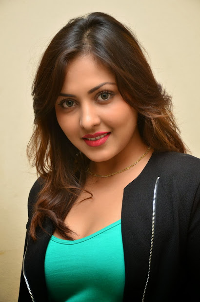 20+ Shalini Tamil Actress Biography Pictures and Ideas on Meta Networks