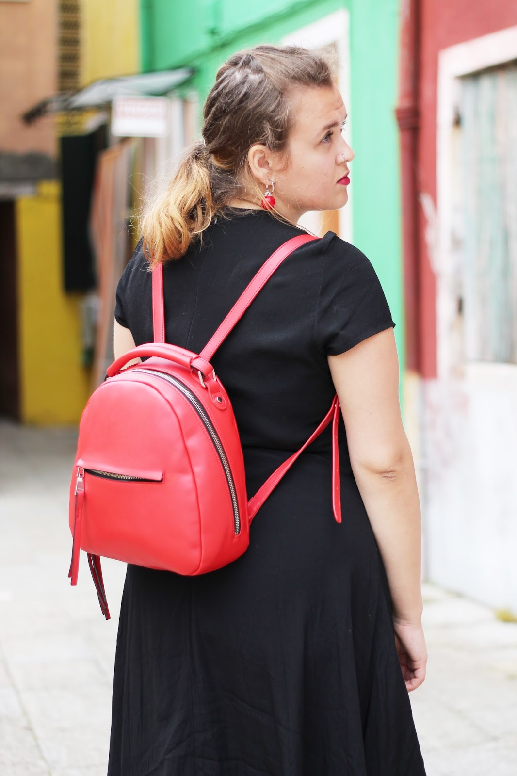 This Zara backpack is perfect for exploring as a tourist | fashamorphosis.blogspot.com