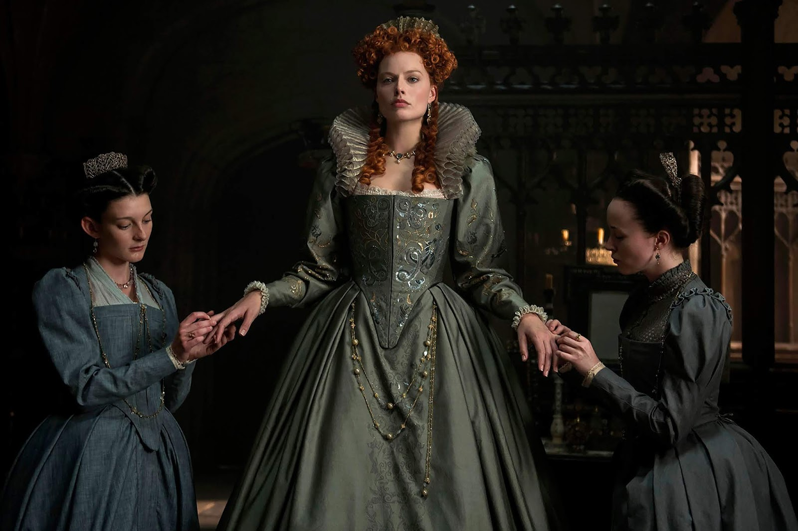Margot Robbie e Saoirse Ronan nel trailer di Mary Queen of Scots