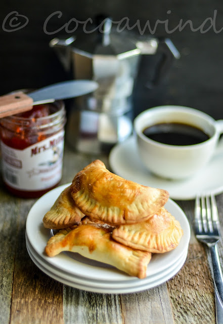 Apple Turnovers made with Applesauce - Cocoawind