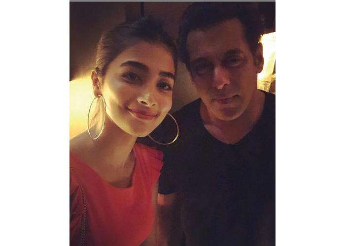 Pooja-Hegde-with Salman Sir