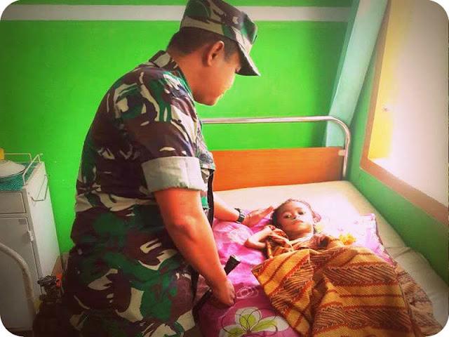 Yayat Priatna Prihatina Santuni Penderita Gizi Buruk di Puskesmas Payahe