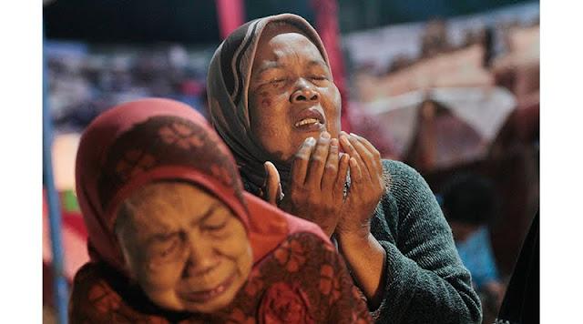 Wahai Ibu, Sempatkanlah Dalam Sujud Shalat Malammu Untuk Mendoakan Anakmu