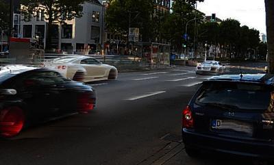 http://www.rp-online.de/nrw/staedte/duesseldorf/blaulicht/16-jaehriger-im-carsharing-auto-liefert-sich-verfolgungsfahrt-mit-polizei-aid-1.6866160