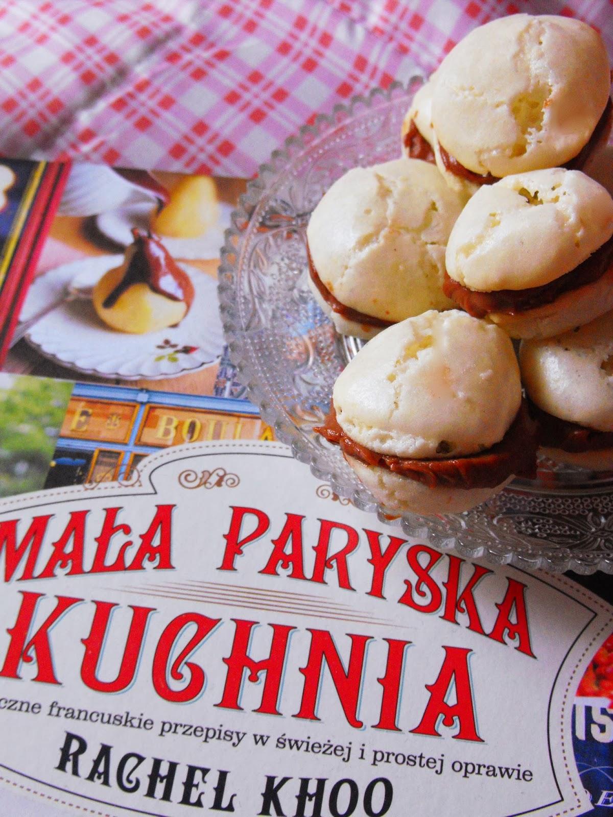 http://teczawsloiku.blogspot.com/2014/02/makaroniki-moje-pierwsze-kulinarne.html