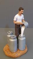 statuine da collezione personalizzate statuetta casaro allevatore orme magiche