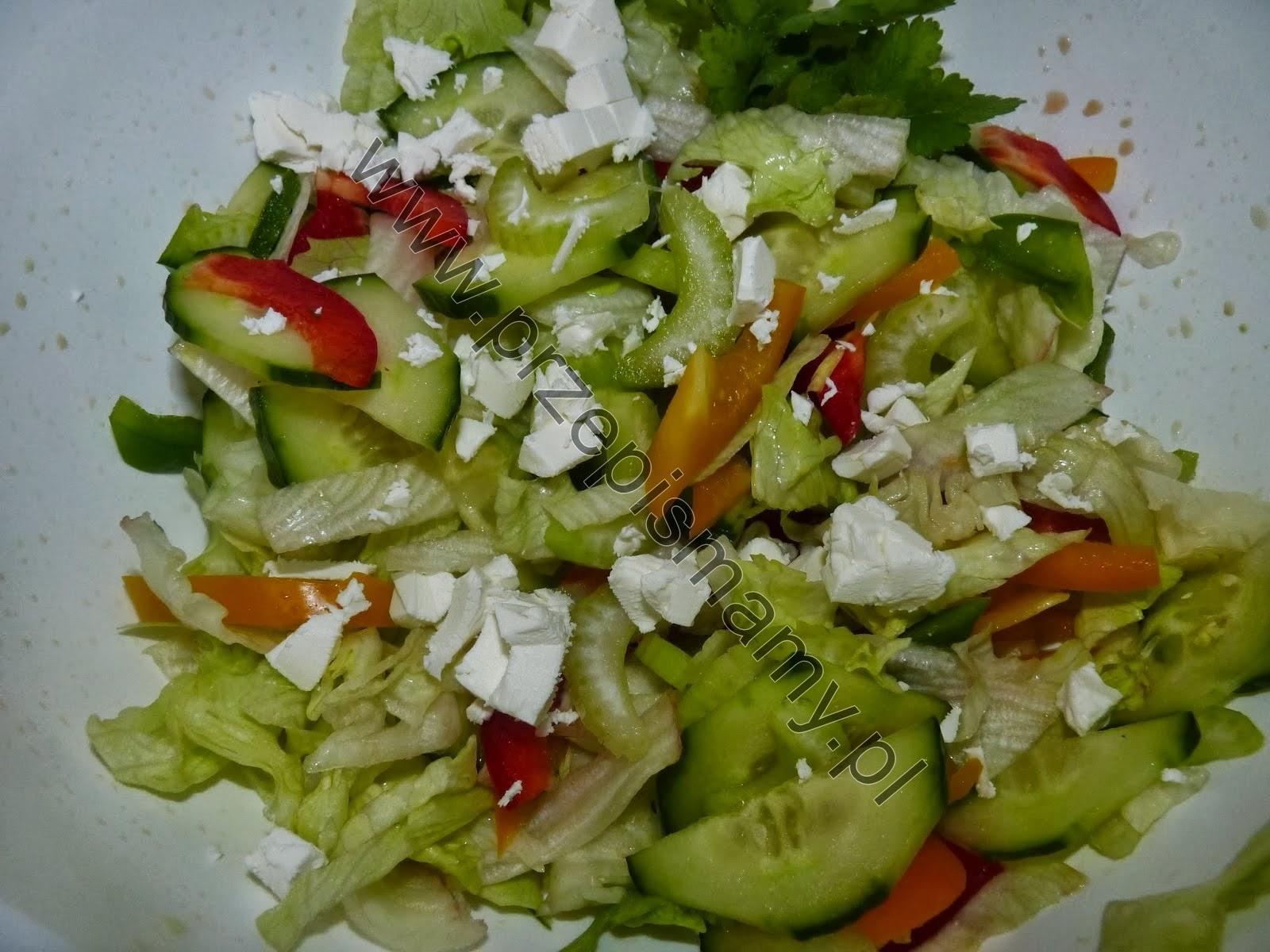 Sałatka warzywna z fetą