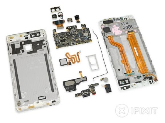 Tim iFixit membongkar smartphone baru Huawei P9 Gampang Diperbaiki