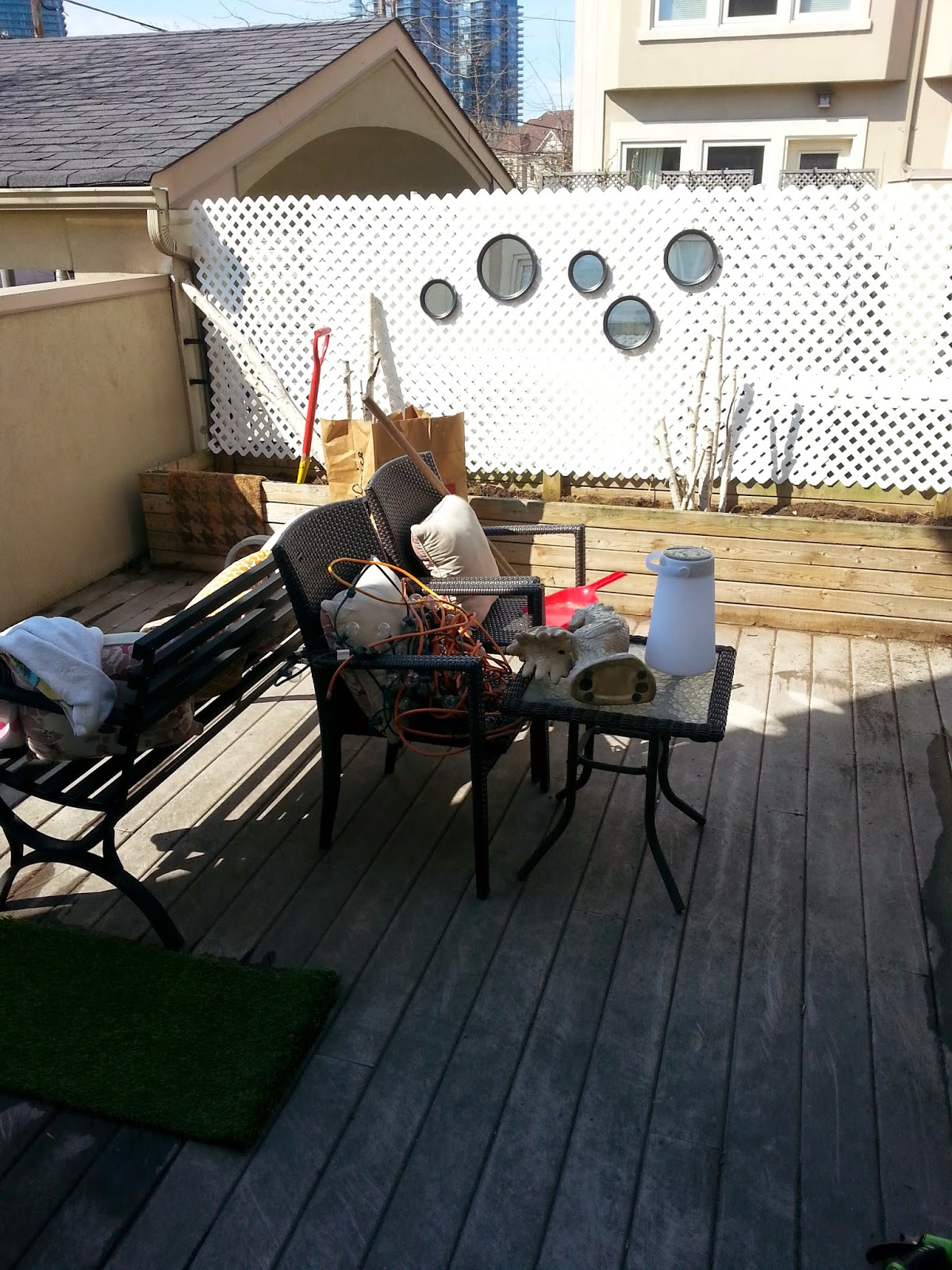Stylish Patio Makeover on a Budget! Home Living Style on Patio Makeovers On A Budget id=36393
