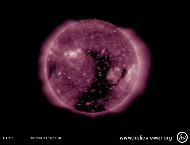 Buraco coronal - 03 de janeiro de 2017 - AIA 211