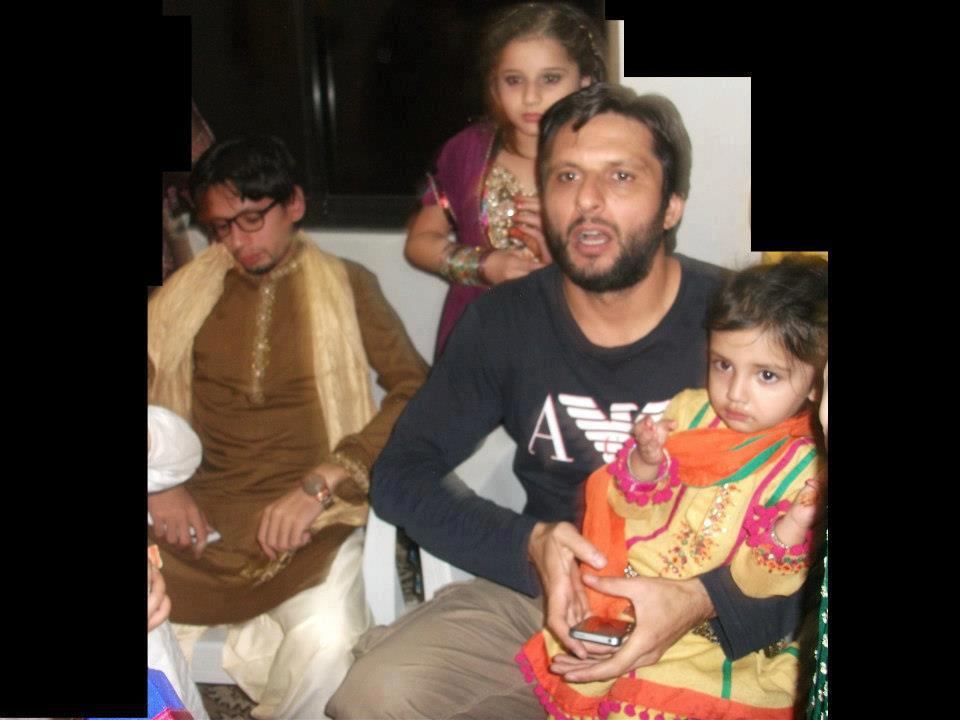 Shahid Afridi S Son And Daughters
