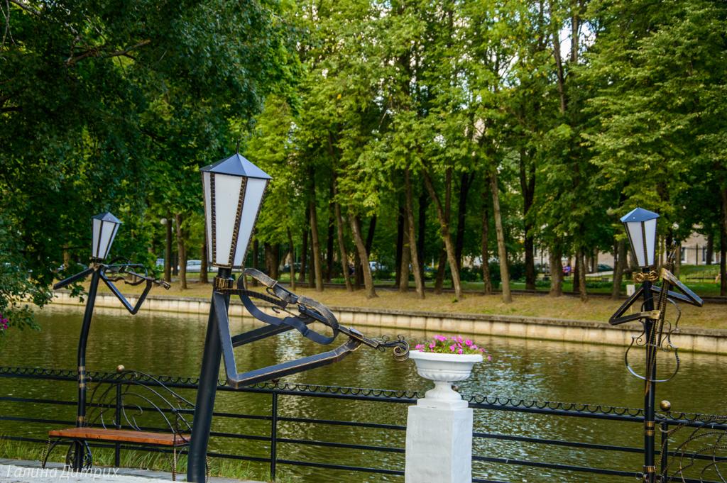 Фонари в парке Смоленска фото