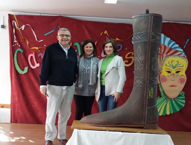 http://www.esvalverde.com/2018/02/quema-del-boto-del-carnaval-2018.html