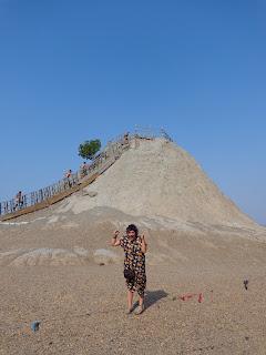 ANJULI THERESA BORGONHA: El Totumo (Mud Volcano)