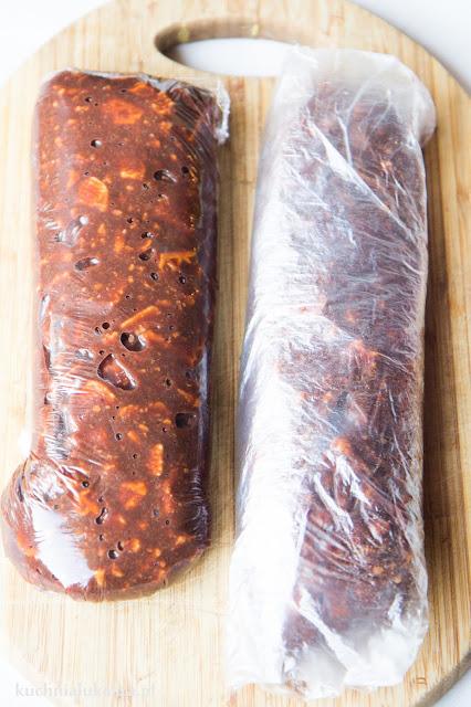 Czekoladowe salami - prosty przepis.