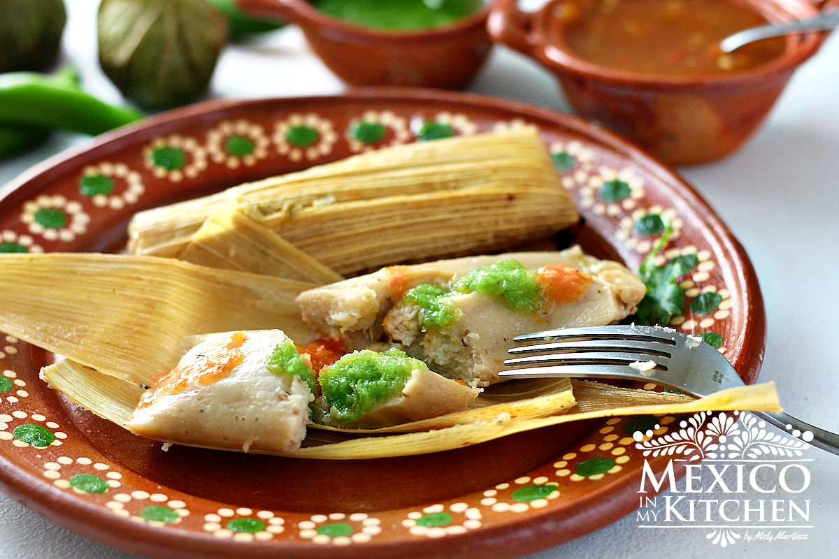 Mexican christmas food - Green Salsa Chicken Tamales Recipe