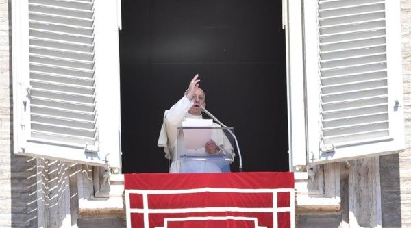 Papa Francisco rechazó invitación de Temer para visitar Brasil