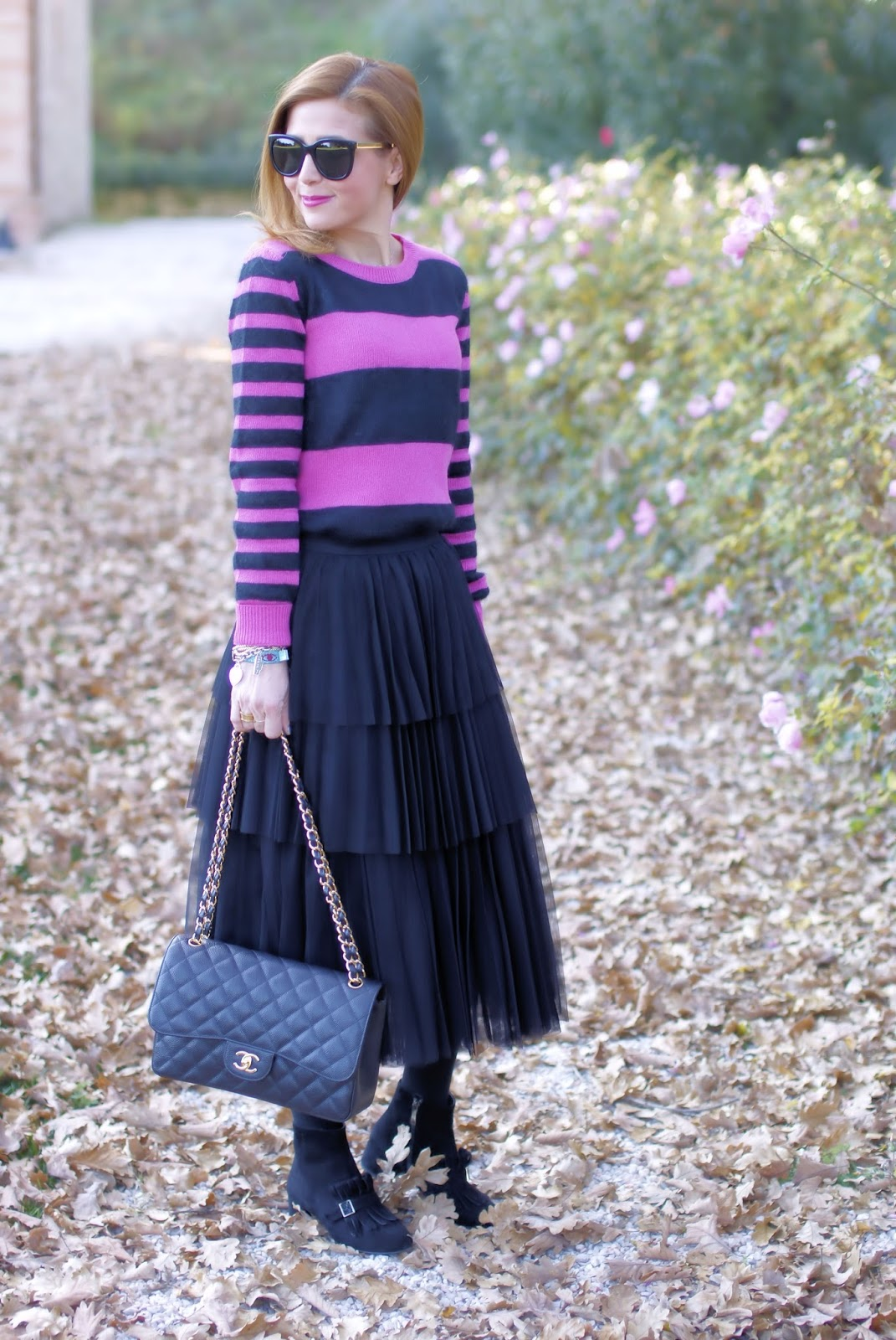 How to wear a black ruffle tulle skirt