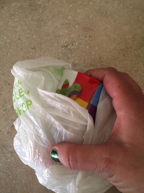 Alte Plastiktüten wiederverwerten