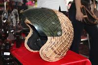 kerajinan tangan uniik helm