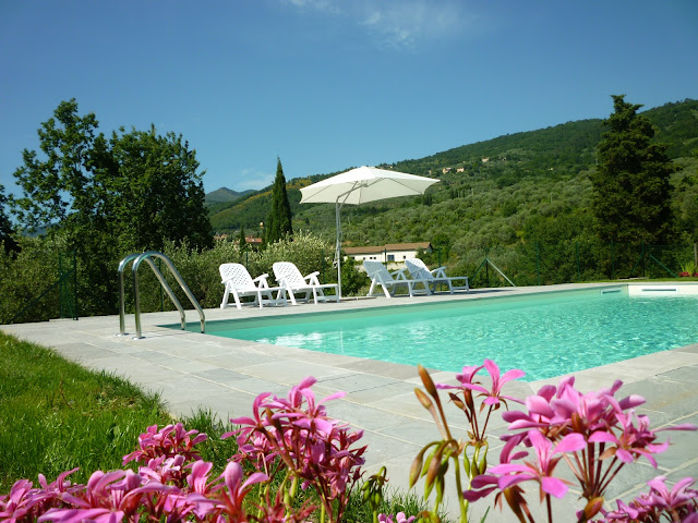 rent room in tuscany with pool