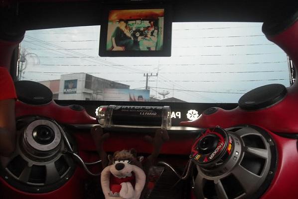 Kumpulan Gambar Modifikasi Mobil Angkot Unik