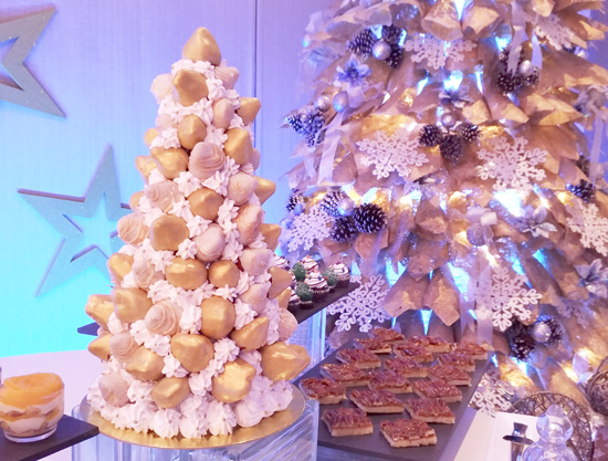 Golden Chocolate Strawberry Christmas Tree.
