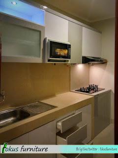 Furniture kitchen set minimalis lemari pakaian jakarta for Kitchen set kompor tanam