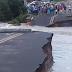 Barragem de açude particular rompe, asfalto cede e bloqueia CE-163 no Ceará