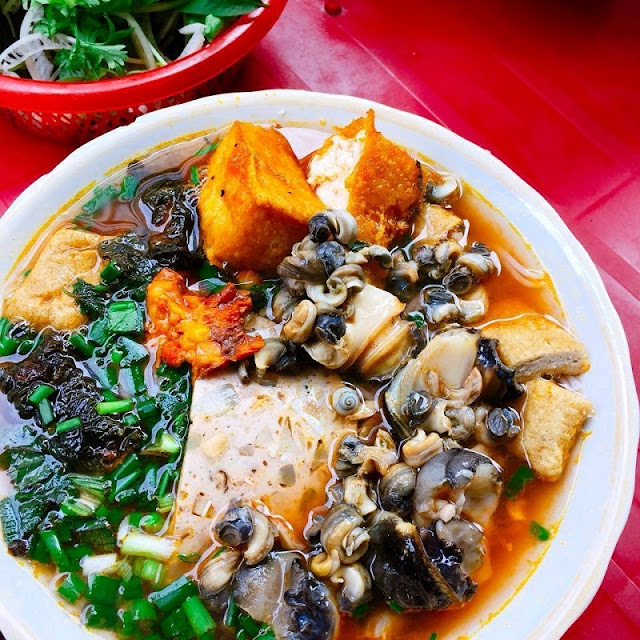Snail vermicelli soup in winter Hanoi 2