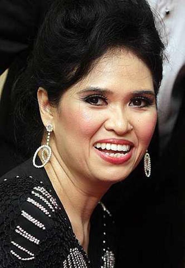 Azlina Aziz 'Kunci Mulut' Sudah Berpisah Dengan Suami