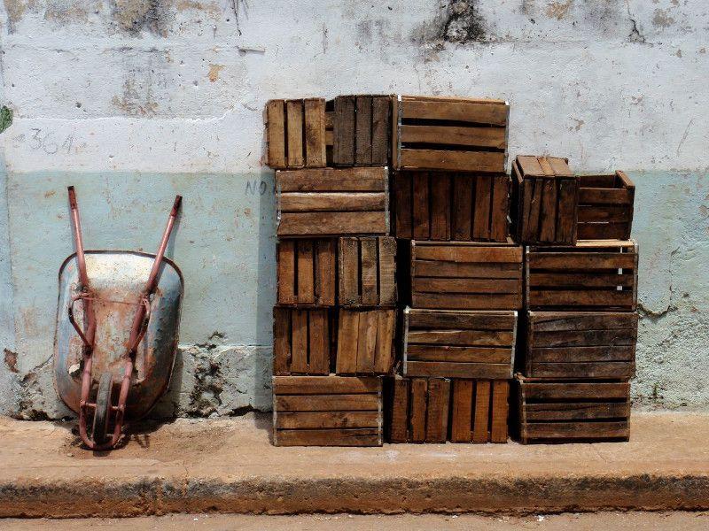 Composición artística con cajas