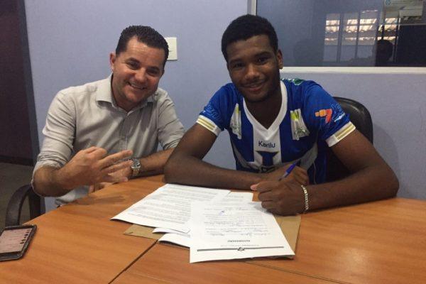 Mais um destaque da Copa São Paulo de Futebol Júnior 2017 assina com o  Fluminene. Trata-se do zagueiro Igor a10578313f6ac
