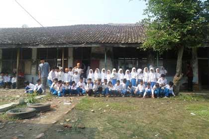 madrasah diniyah di kandanghaur gunakan bangunan lapuk