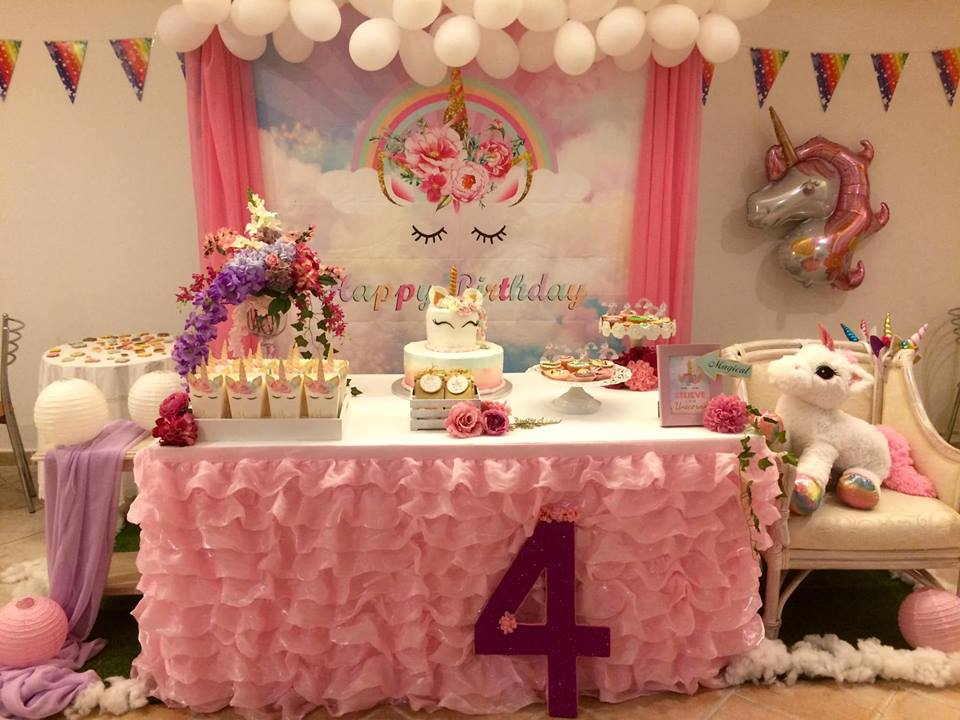 Matrimonio Tema Unicorno : Set unicorn party buffet a tema unicorno
