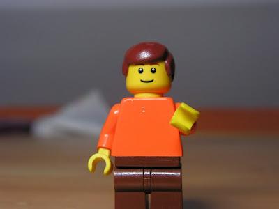 Бумажный пакет с ручками от фигурок Lego
